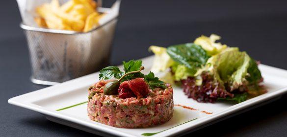 Tartare de boeuf Américain préparé la table de frank restaurant steinfort restaurant luxembourg Gault et Millau