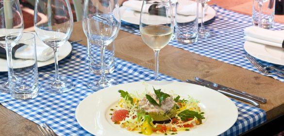 Plat Crevettes Avocat Recette Restaurant Steinfort La Table de Frank Trip Advisor Gault et Millau resto restaurant restau luxembourg vin blanc entrevue vigneronne château val joanis